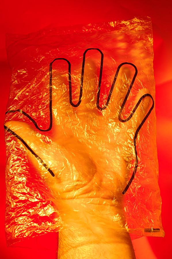 Shell diesel fuel glove