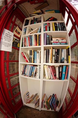 Woburn phone box library inside