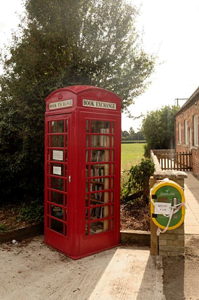 Flitton phonebox book exchange