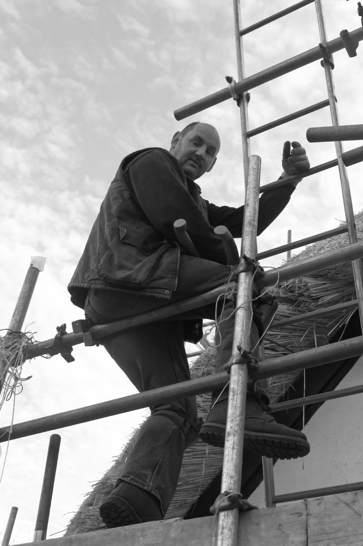 Rethatching at Orchard Cottage  Quainton 03