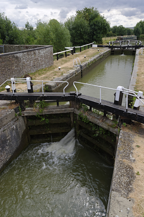 Leaky lock gates at Grove