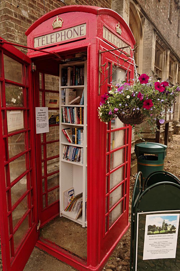 Woburn phone box library