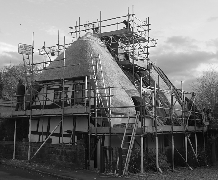 Rethatching at Orchard Cottage  Quainton 02