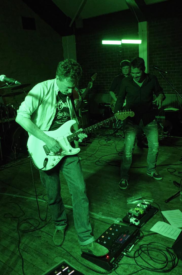 Guitarist  Stony Stratford