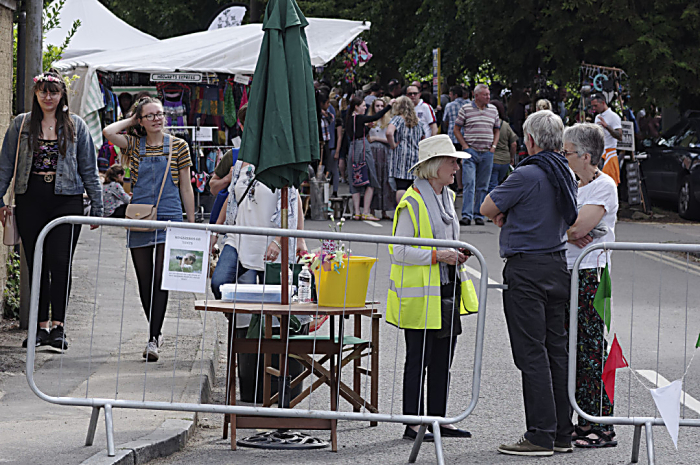 Folk on the Green volunteer