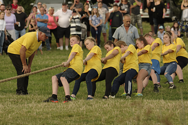 Ickford tug of war youth team 2019