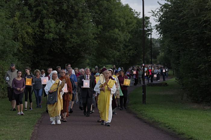 Hiroshima Day taking lanterns to Willen Lake 2019