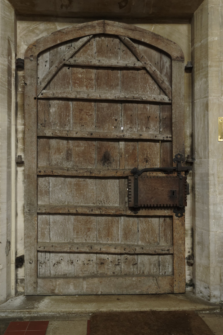 Hillesden church door