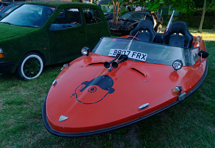 Is it a boat? Is it a Reliant?