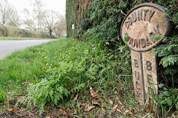 Bucks and Beds boundary marker