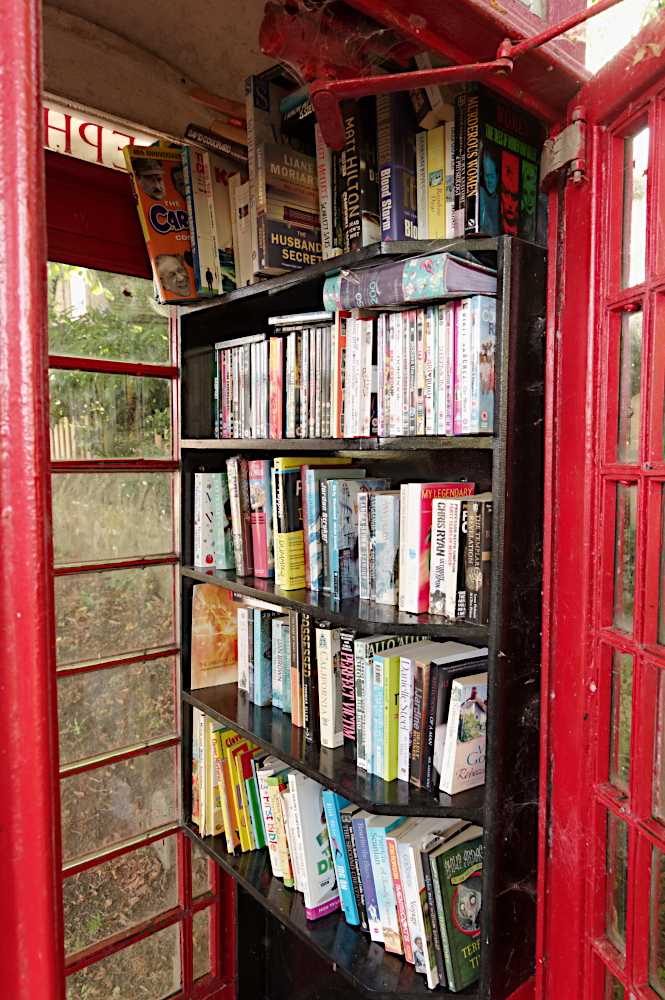 Phone box library  Chilton  Bucks