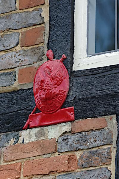 Fire plaque